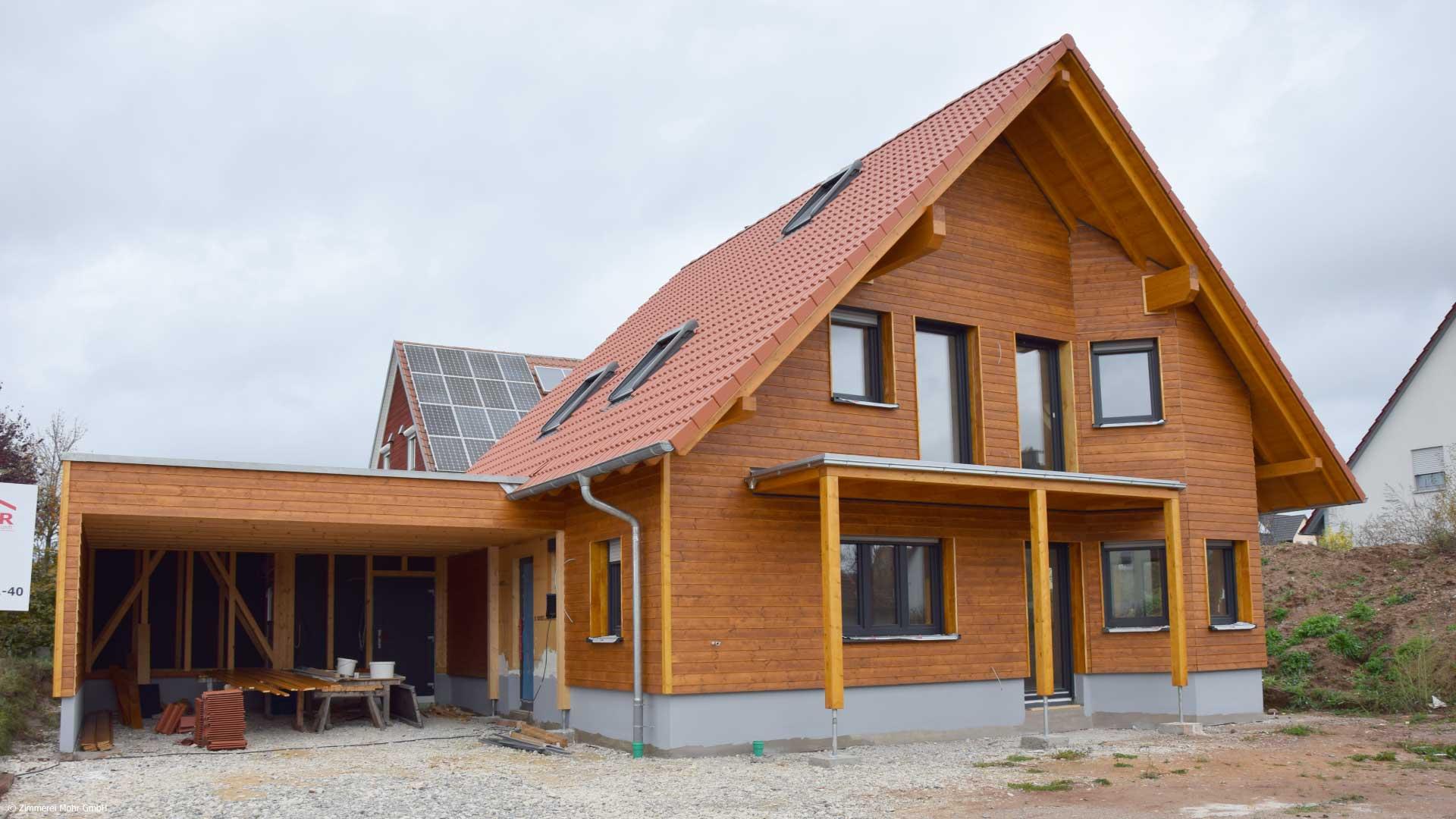Familienhaus KAISER - Neubau Holzhaus mit lasierter Holzfassade